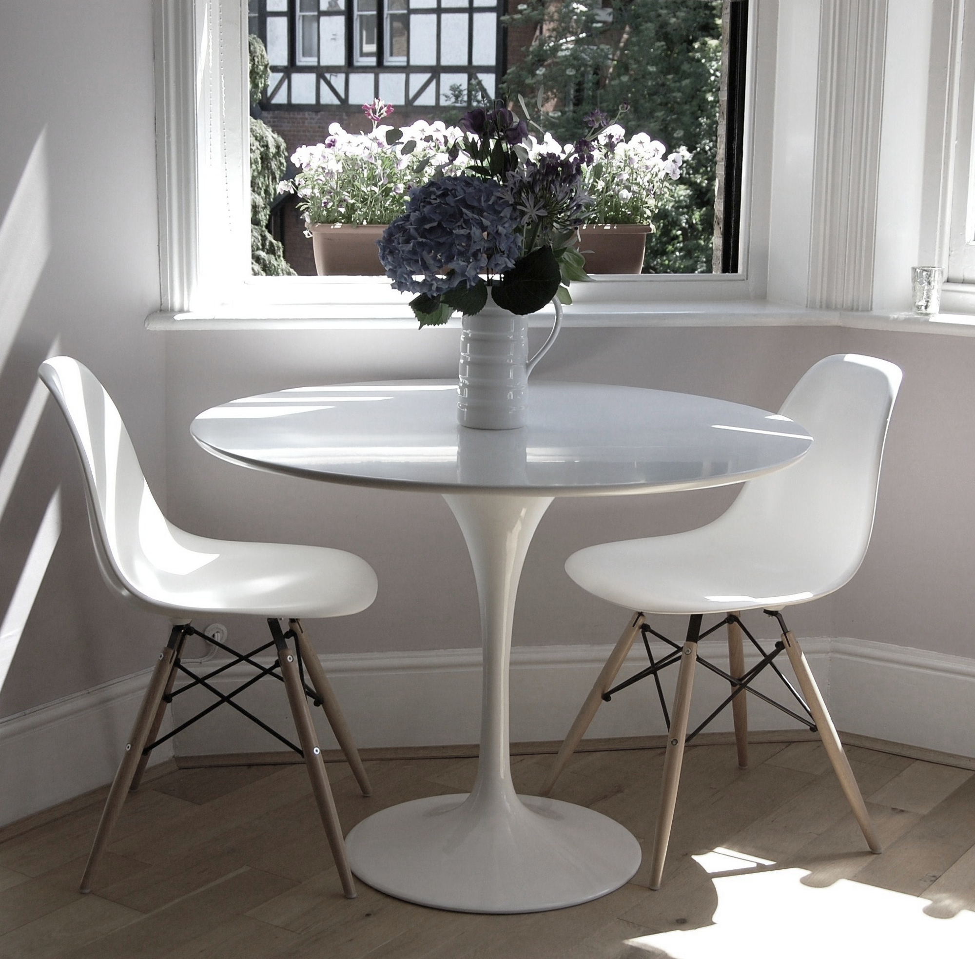 Tulip dining table 90cm the natural furniture company ltd for Tulip dining table